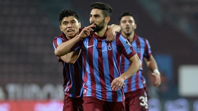 Trabzonspor beş dakikada bitirdi!