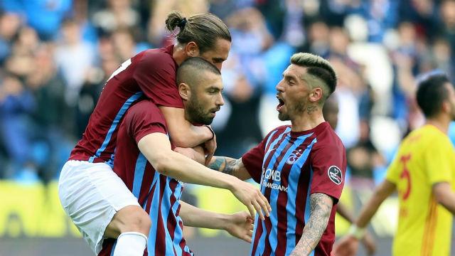 Yusuf Yazıcı Trabzonspor'u sırtladı