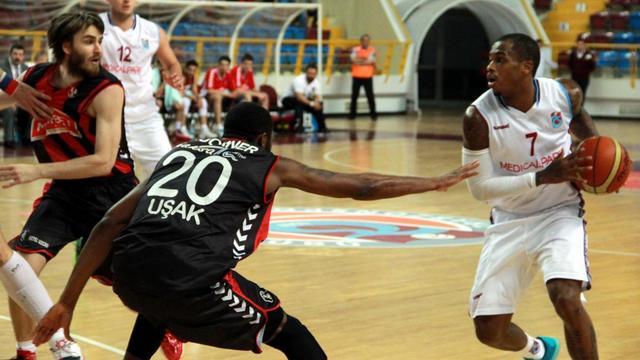 Uşak Sportif Trabzon'da kaybetti