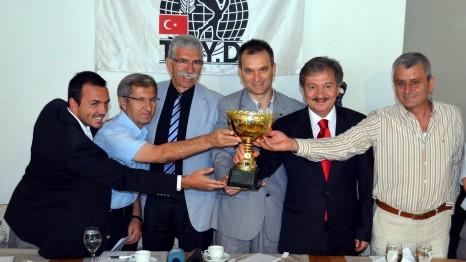İzmir Derbiye Doyacak!