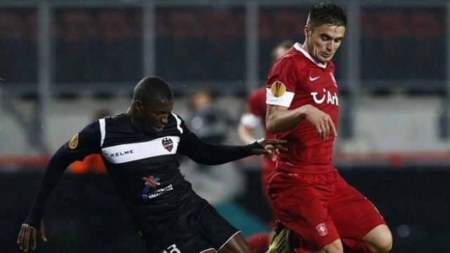 Twente Farkı Açmak İstiyor