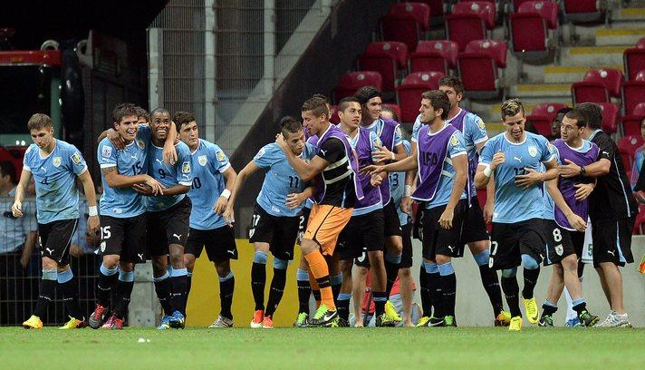 Uruguay yarı finalde