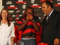 Vagner Love Adriano'nun Yanına