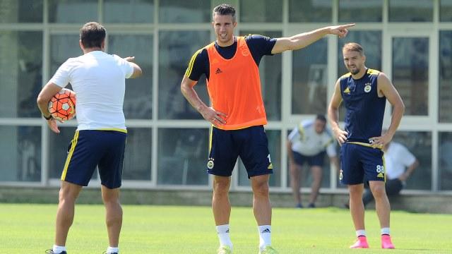 Fenerbahçe'de Van Persie heyecanı!