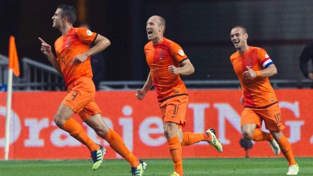 Sneijder ve Van Persie'ye milli davet