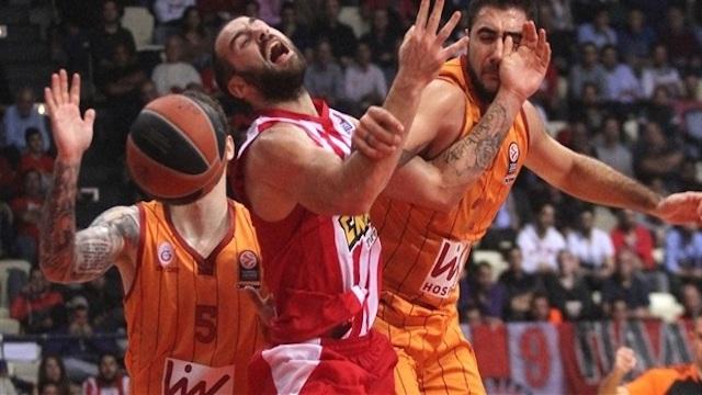 G.Saray Olympiakos'a farklı kaybetti
