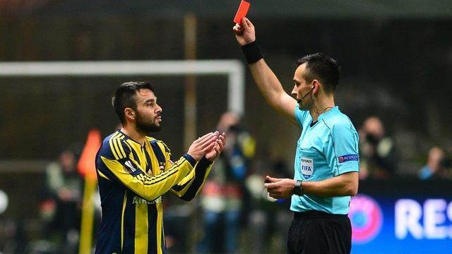 UEFA'dan Fenerbahçe'ye ağır fatura