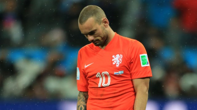 Sneijder bombaladı: Utanç verici