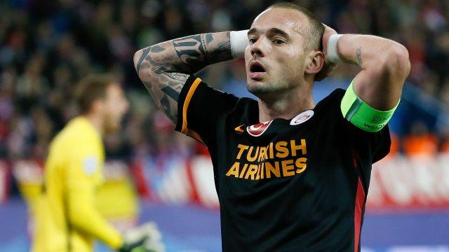 Sneijder Avrupa'da yok